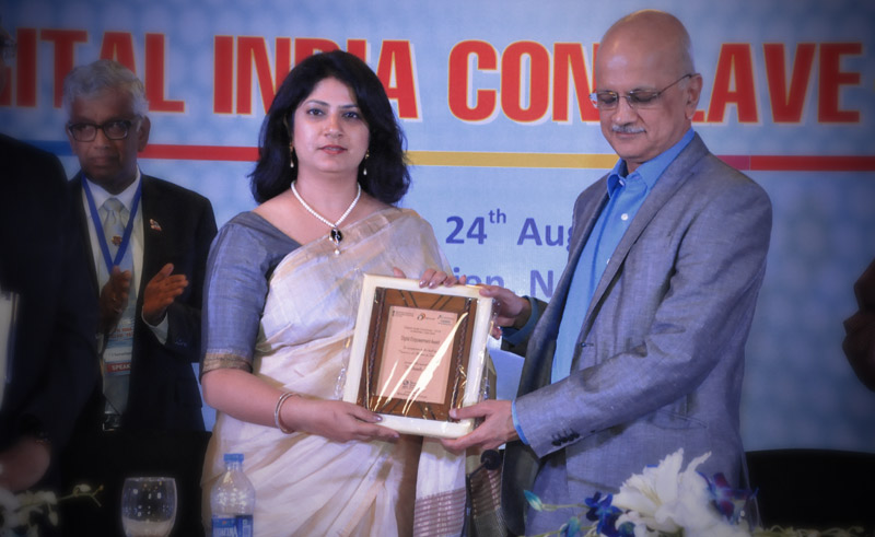 Ms. Seth being Presented the Digital Empowerment Award 2015 –Digital India Conclave by Shri. Chandrashekhar, Chairman NASSCOM.